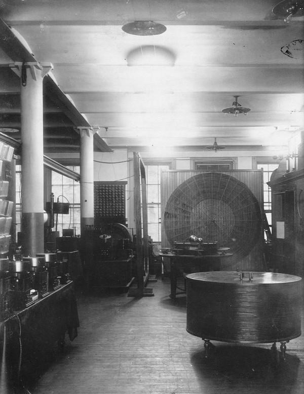 Tesla apparatus in his Houston Street laboratory