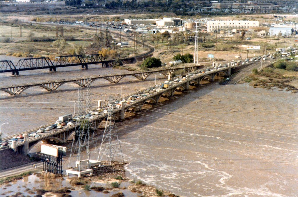 1980 - The big Salt River flood, all other bridges crossing the Salt River were damaged and the Mill Ave bridge was the only survivor. In some cases it took 8 hours of waiting to cross the river.